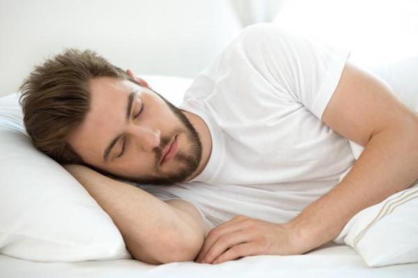 اگر مبتلا به بی&zwnjخوابی هستید این نکات را جدی بگیرید